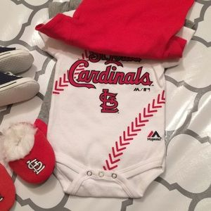5e2859dbc7de9 $20 MLB St. Louis Cardinals baby shoes and onesies
